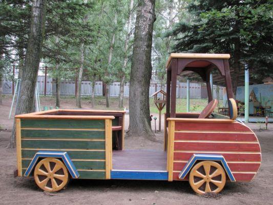 Машинка из дерева своими руками на детскую площадку фото